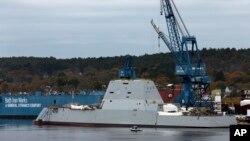 El buque Zumwalt fue construido para mantener la supremacía naval de EE.UU. y entraría en combate en 2016.