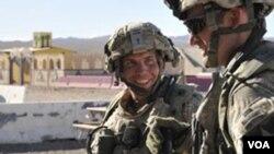 Sersan Robert Bales (kiri) tersangka pelaku pembantaian 16 warga sipil Afghanistan (Foto: dok).