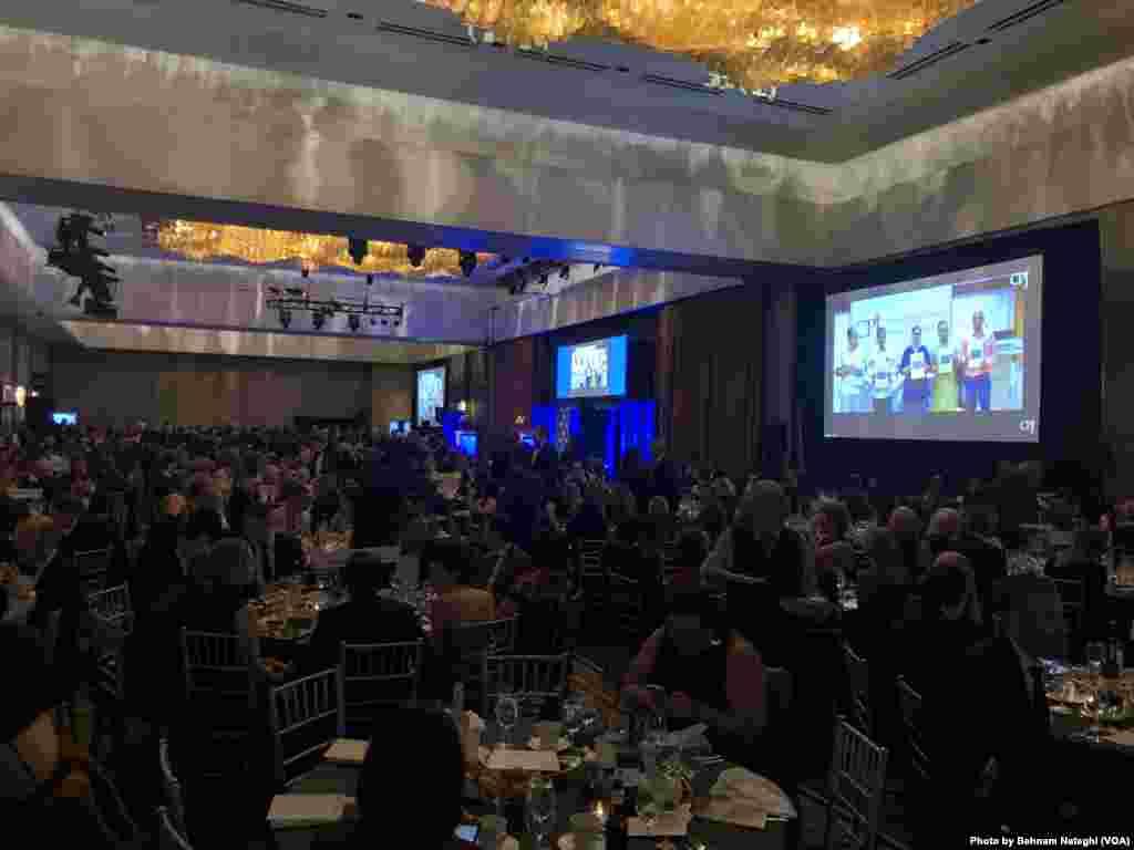 روزنامه نگاران برجسته و مدیران رسانهها با شرکت در میهمانی سالانه از فعالیت کمیته حمایت از روزنامهنگاران پشتیبانی کردند.