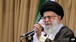 ایران کے رہبر اعلیٰ آیت اللہ علی خامنہ ای (فائل فوٹو)