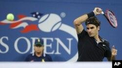 Petenis nomor dua dunia asal Swiss, Roger Federer, dalam pertandingan AS Terbuka 2014.