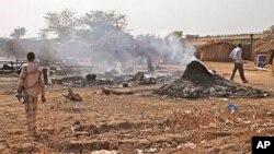 南苏丹的本提乌4月14日遭空袭后的景象