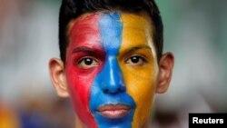 Un partisan de l'opposition participant à une manifestation anti-Maduro, Caracas, Venezuela, le 26 avril 2017. (REUTERS/Christian Veron)