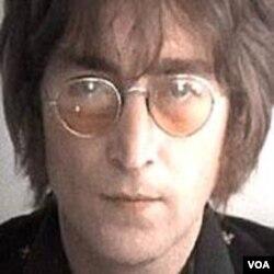 Musisi legendaris John Lennon (9 Oktober 1940 - 8 Desember 1980).