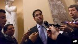 El senador Marco Rubio pide al presidente Obama trabajar con el Congreso para arreglar el sistema de inmigración.