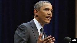 "U.S. President Barack Obama speaks during the ""Together We Thrive: Tucson and America"" at the University of Arizona in Tucson, Arizona, 12 Jan 2011"