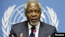 Utusan internasional untuk perdamaian Suriah, Kofi Annan saat memberikan keterangan pers usai pembicaraan tertutup di Jenewa (30/6).