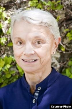 美国迈阿密大学中国军事问题专家金德芳(June T. Dreyer)教授