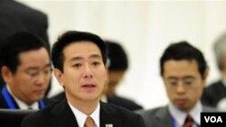 Menlu Jepang Seiji Maehara saat menghadiri pertemuan APEC di Yokohama bulan lalu.