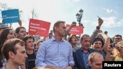 Navalnı Moskvada etiraz nümayişi zamanı, 5 may, 2018.