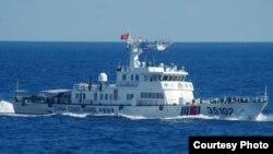 中国海岸警卫队舰艇靠近钓鱼岛(日本海上保安总部)