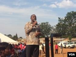 Nelson Chamisa addressing a rally in Chinhoyi on Sunday, November 19, 2018.