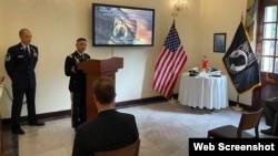 Trung tá Selmer Santos, Chỉ huy trưởng Phái bộ 2 của DPAA thuộc Đại sứ quán Hoa Kỳ tại Hà Nội, phát biểu hôm 16/9/2021. Photo US Embassy Hanoi.