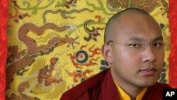 現年23歲的噶瑪巴喇嘛