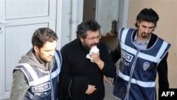 Թուրքիայում բանտարկության է դատապարտվել երեք լրագրող