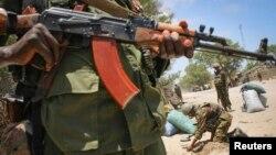 Binh sĩ canh gác tại thành phố cảng Kismayo, Somalia, 7/10/2012