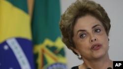 지난 13일 브라질 브라실라의 플라날토 대통령 궁에서 열린 회의에서 지후마 호세프 브라질 대통령이 발언하고 있다. (자료사진)