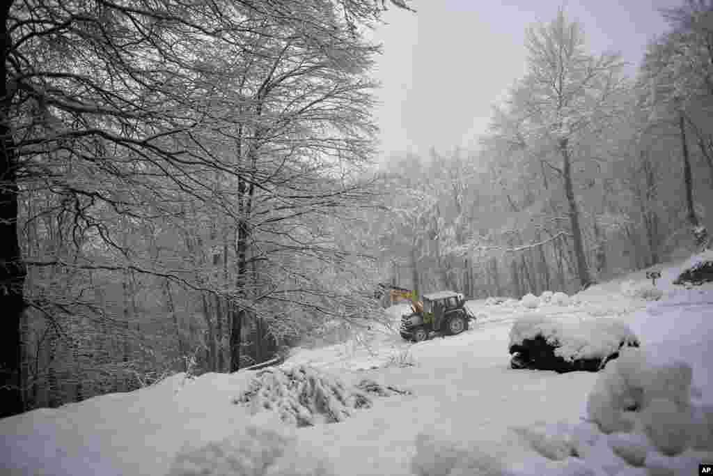 زمین های پوشیده از برف در شمال اسپانیا