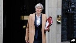 خانم «می» از زمان روی کار آمدن دستور اجرای جدایی بریتانیا از اتحادیه اروپا را دارد.