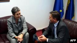 Lunacek: Kosova të përfshihet në procesin e liberalizimit të vizave