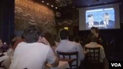 华盛顿的一个总统辩论观赏派对(视频截图)