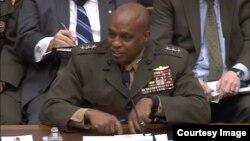 미 국방부 산하 국방정보국의 빈센트 스튜어트 국장이 2일 하원 군사위원회 청문회에 출석해 발언하고 있다.