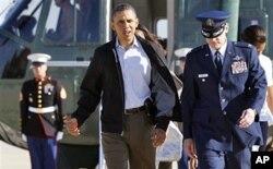 Le président Obama s'apprêtant à quitter la base aérienne Andrews, près de Washington, pour l'Alabama