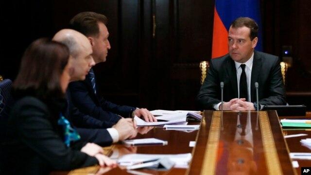 Встреча премьер-министра РФ Дмитрия Медведева с руководством финансовых ведомств