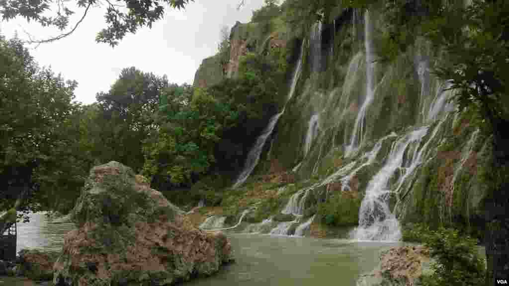 آبشار بیشه- لرستان عکس: رضا (ارسالی شما)