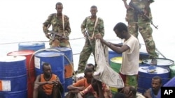صومالی قزاقوں کا نیا شکار، بھارتی بحری جہاز