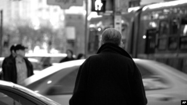 New research associates exposure to traffic pollution with lower scores on cognition tests, even lower than what would be expected with normal aging.