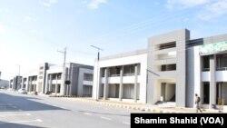 میران شاہ میں تعمیر کیے گئے نئے بازار میں تاحال کاروباری سرگرمیاں مکمل طور پر بحال نہیں ہوئی ہیں۔