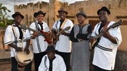 Barou Diallo ani Ali Farka Toure Band