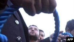 İranda tanınmış futbolçunun məşuqəsi asılaraq edam edilib