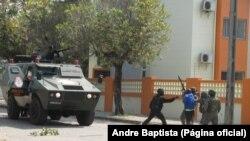 Invasão da casa de Afonso Dhlakama pela polícia nas Palmeiras, na Beira