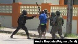 Invasão à casa de Afonso Dhlakama pela polícia no bairro Palmeiras, na Beira