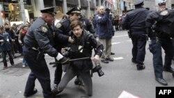 """Protestë e lëvizjes """"Të Pushtojmë Uoll Stritin"""" në Nju Jork"""