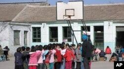 北京一所农民工子女学校(资料照片)