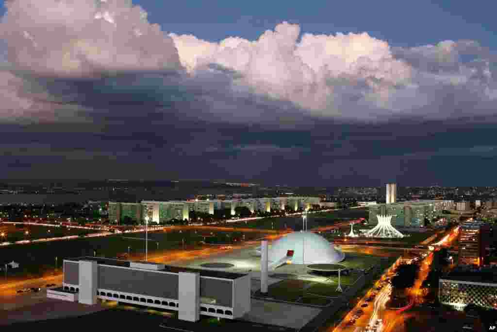 A Esplanada dos Ministérios, em Brasília, congrega alguns dos trabalhos mais marcantes do lendário arquitecto