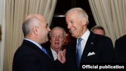 Ο Τάσος Ζαμπάς με τον Αντιπρόεδρο των ΗΠΑ, Τζο Μπάιντεν