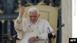 Papa Cinsel Taciz Kurbanlarından Özür Diledi