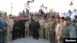 آقای العبادی در جمع سربازان عراقی در موصل