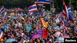 Митинг протеста в центре Бангкока. Таиланд. 5 января 2014 г.
