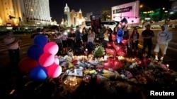На месте стрельбы в Лас-Вегасе, 4 октября 2017 года