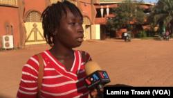 Céline Oubda, une étudiante, Ouagadougou, le 7 novembre 2019. (VOA/Lamine Traoré)