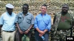 Ambassador Bruce Wharton at Naletale National Monument with Gweru mayor Hamutendi Kombayi (left) and Norbert Nhutsve (right), regional director of National Museums and Monuments of Zimbabwe. (File Photo/Taurai Shava)