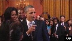Presidenti Obama rishfaq aftësitë e tij muzikore