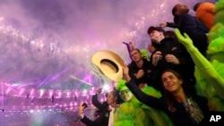 El Comité Olímpico Internacional (COI), aprovechó la ceremonia de clausura de los Juegos Olímpicos de Río de Janeiro este domingo para lanzar su propio canal de televisión.
