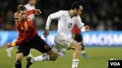 Los estadounidenses liderados por Landon Donovan, jugarán ante Inglaterra el 12 de junio, en Rustemburgo, el 18 enfrentará a Eslovenia en Johannesburgo y cerrarán su grupo ante Argelia el 23 de junio en Pretoria.