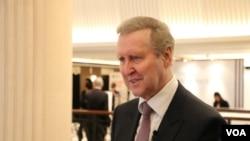 前美国国防部长科恩在2018香格里拉对话会议期间接受采访